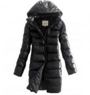 軽量で暖かく機能性の高い2016新作したモンクレール MONCLER女性用の黒いフード付きのダウンコート.