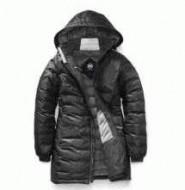 冬に着用できる密着度と保温度も高いカナダグース コピー、Canada  Gooseの防寒性とお洒落性を兼ね備えたメンズ、レディースロングダウンジャケット.