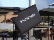 2018新品BALENCIAGAバレンシアガバッグコピーロゴレザー大特価のクラッチバッグ