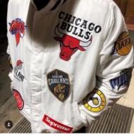 偽 ブランド_新登場Supreme 18SS NIKE NBA Warm-UP Jacketシュプリームコピー男女兼用ジャケットブラック、ホワイト