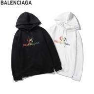 バレンシアガ パーカー コーデ 様々なシーンにも合わせやすいアイテム BALENCIAGA メンズ コピー ブラック ホワイト セール