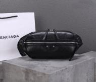 シンプルシックなコーデに最適 バレンシアガ ウエストバッグ メンズ BALENCIAGA コピー ブラック ブランド シンプル 最低価格