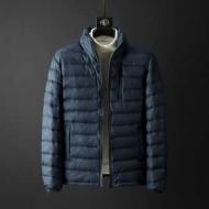 印象深い雰囲気を醸し出す限定品 アルマーニ ダウンジャケット メンズ ARMANI コピー ブラック ブルー 通勤通学 日常感 最低価格