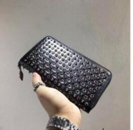 シンプルかつ洗練されたクリスチャン ルブタン 偽物 CHRISTIAN LOUBOUTIN 高く評価されている財布