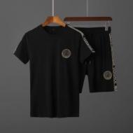 Tシャツ 新作 VERSACE 大人カジュアル感を足すアイテム メンズ ヴェルサーチ スーパーコピー ブラック 2020限定 VIP価格